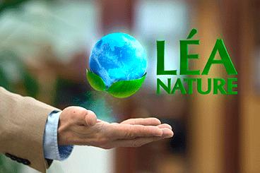 Création de Léa Nature,dont le nom d'origineétait L.É.A. – INSTITUT VITAL (L.É.A. pour Laboratoire d'Équilibre Alimentaire)